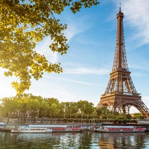 Torre Eiffel, Cruceros por el Sena